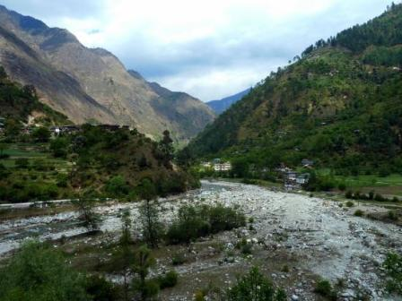tirthan-valley