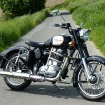 800px-Royal_Enfield_Bullet_Classic_500