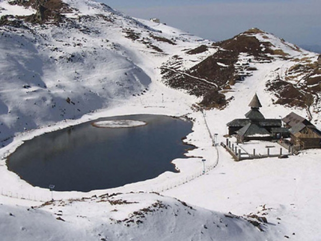 parashar-lake-trek13891140390